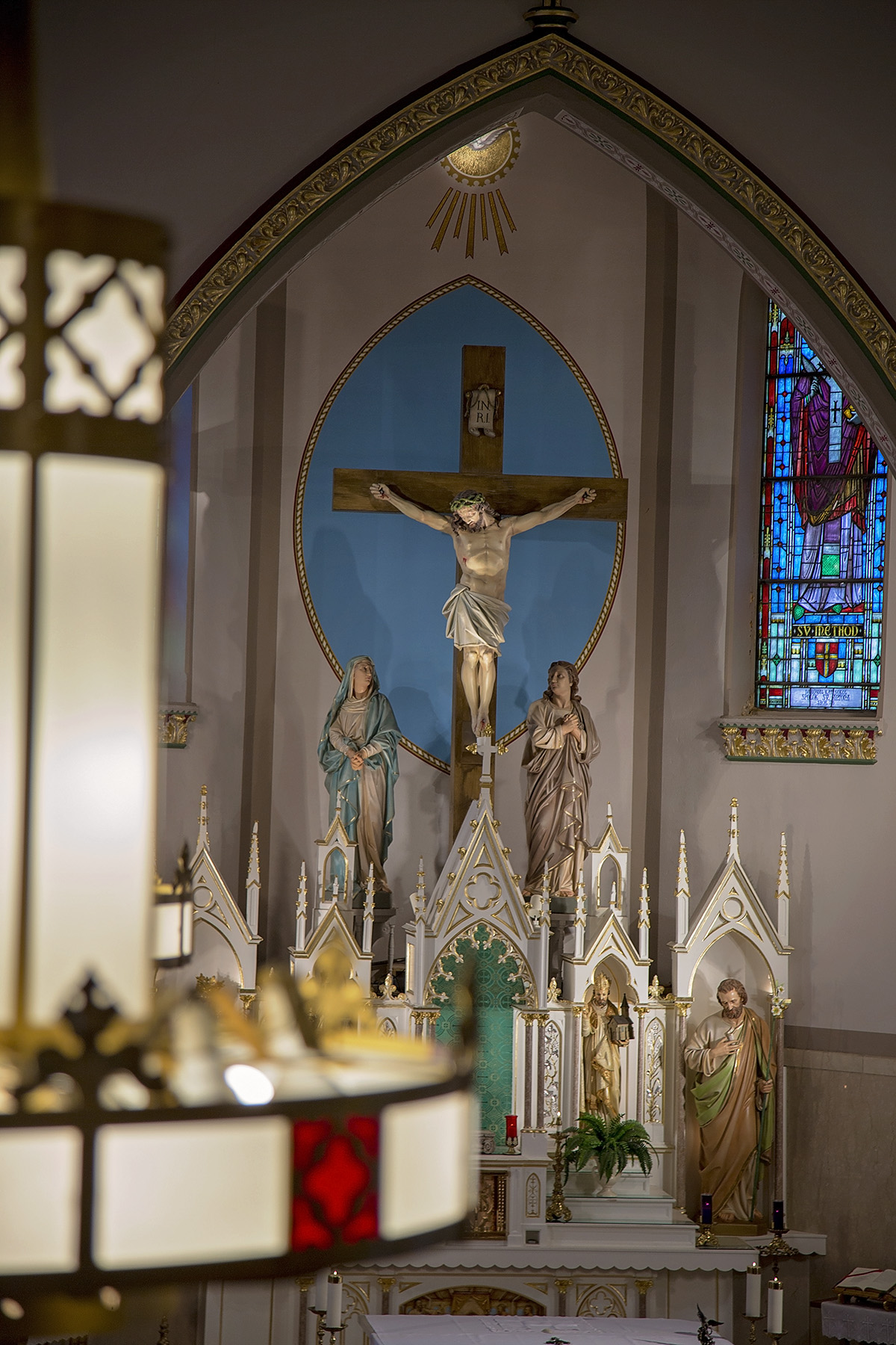 Crucifix behind the altar at Incarnation of Our Lord Church. Photo courtesy of Erick Macek (www.erickmacek.com)